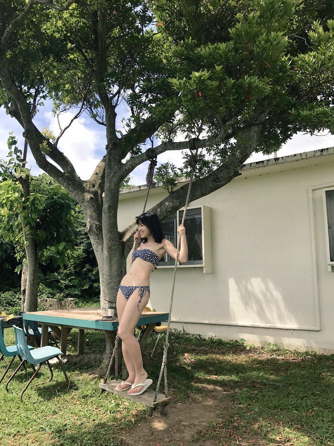 Bikini, Sengoku Minami (仙石みなみ), Up Up Girls (Kari)