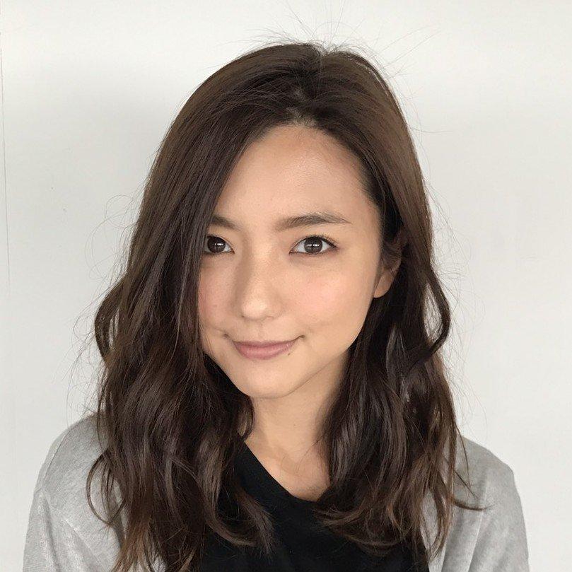Mano Erina (真野恵里菜)