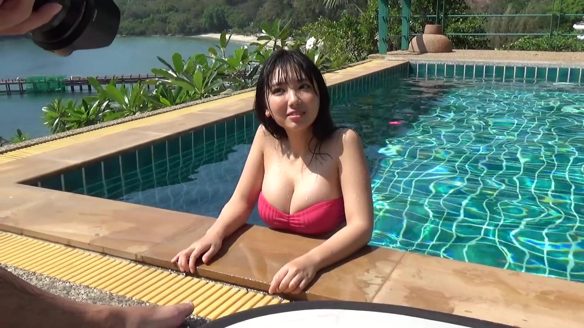 Bikini, Oppai (おっぱい), Sawaguchi Aika (沢口愛華), Screenshot