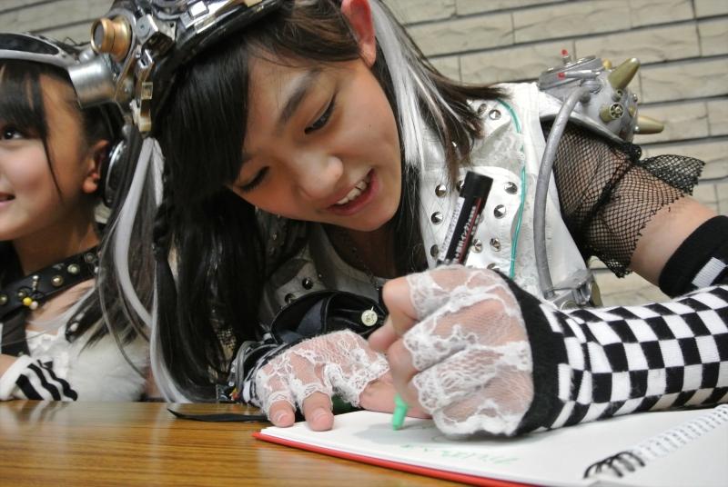 Nagashima Honoka, Okazaki Ichigo (岡崎いちご), Smile Gakuen, Taya Nanako (田谷菜々子), UNDER FACE